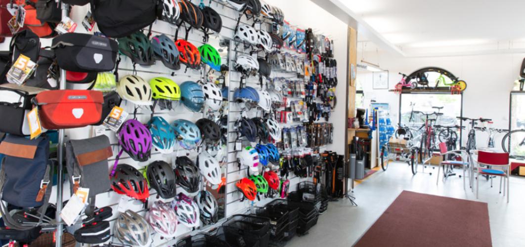 Kleidung, Accessoires, Schuhe und vieles mehr